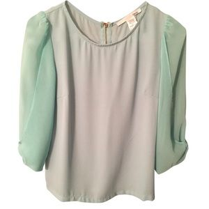Sexy Green Ellison Blouse with Arm Flare - NWOT